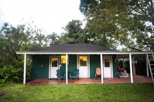 Historic Hanalei Garden Surf Cottage